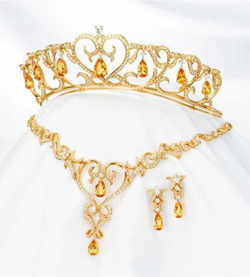 Ginza Tanaka topaz and diamond parure - Get the most out of buying your jewelry! Find out how at http://jewelrytipsnow.com/how-to-make-the-most-out-of-buying-your-jewelry/