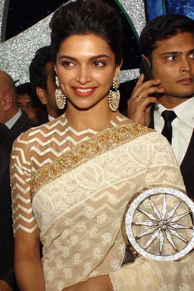 Bollywood Actress Deepika Padukone Georgette Saree in Cream color