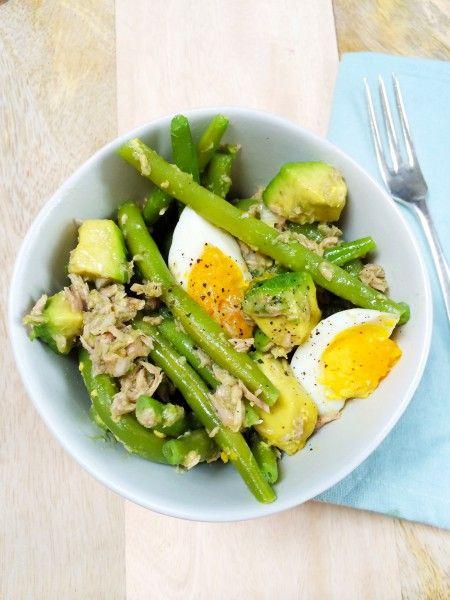 Probeer ook eens deze avocado salade met tonijn & sperziebonen! Recept: Kook de sperziebonen beetgaar maar zorg dat ze nog een bite hebben. Laat afkoelen.