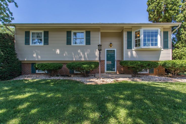 Jeffrey Zinner of RE/MAX® Realty Group just listed 24104 Log House Road Gaithersburg MD 20882 MUST SEE! This is a great home with so many updates - ROOF, HVAC, ELECTRONIC AIR FILTER, HUMIDIFIER, FENCED IN YARD, SHED, HUGE SUN DECK, HARDWOOD FLOORS, NEW SLIDING DOOR, WINDOWS, APPLIANCES, GREAT YARD, and lots of STORAGE - 4 bedrooms, 2.5 bathrooms, fireplace, bay window. Please make appointments to show...2 DOGS!!! Don't miss this one!