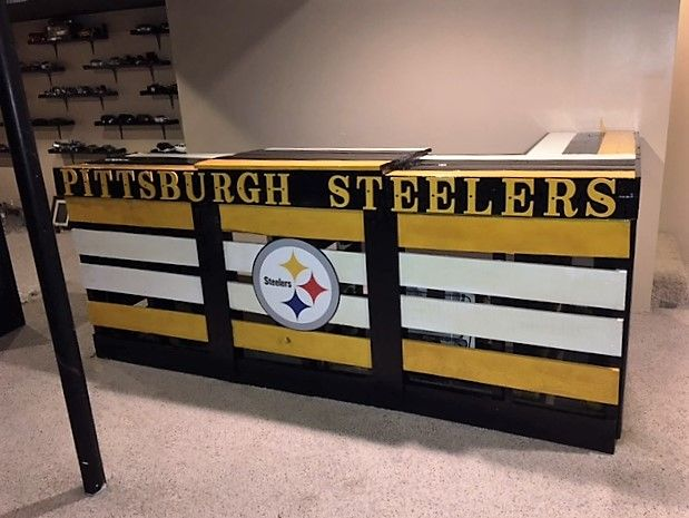 Pittsburgh Steelers Bar (made Out Of Pallets) Https://www.fanprint