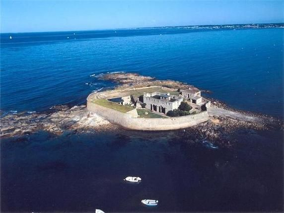 "Luxury real estate in Lorient, France - Small Fort ""Vauban"" period in a privated island. - JamesEdition"