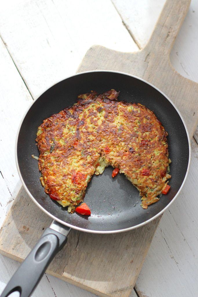 * Aardappelrosti met courgette en paprika. Als je het recept verdubbelt, gebruik dan twee aparte pannen.