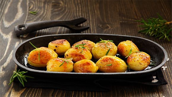Roast potatoes are the traditional South African accompaniment to any roast dinner and the perfect roast potato with a crispy outside and soft inside can either make or break the occasion!