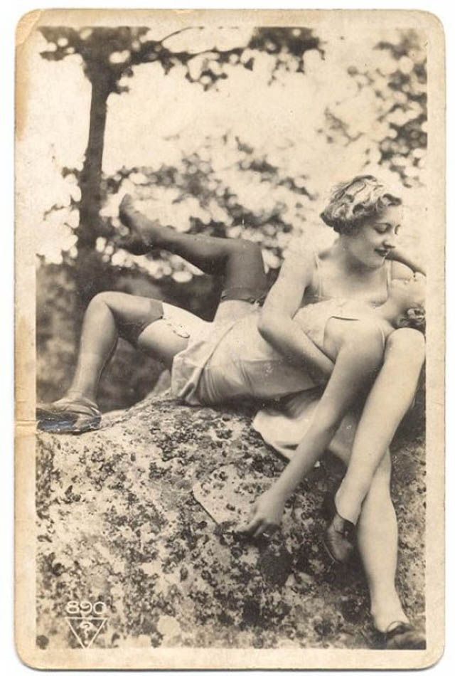 Mature pantyhosed woman