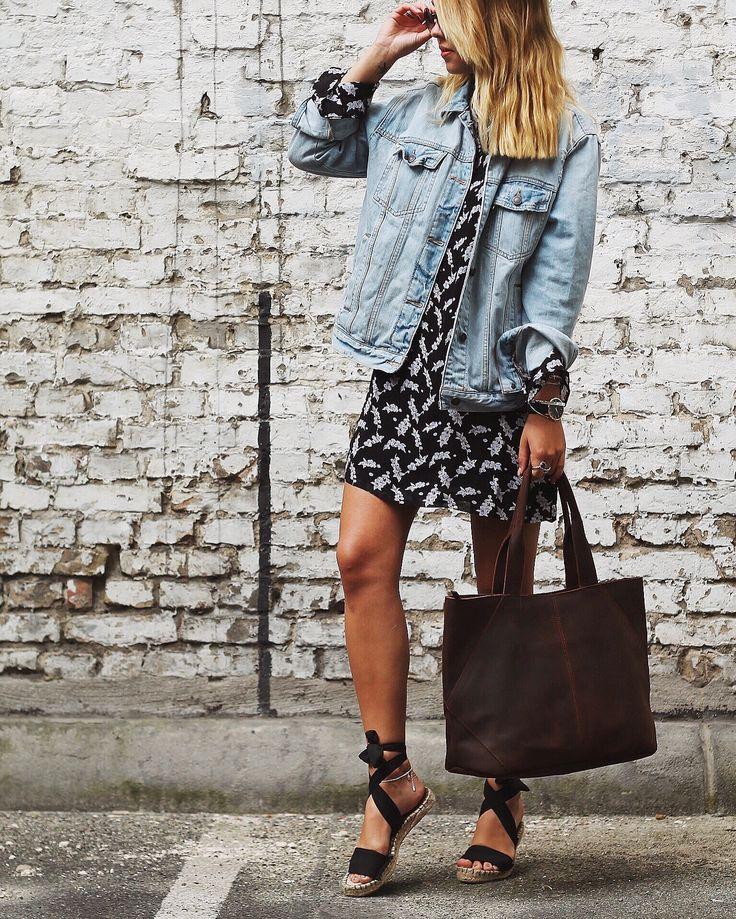 """Das ist """"Cecilia"""". Die Handtasche aus hochwertig verarbeitetem, dunkelbraunem Büffelleder eignet sich perfekt als Shopper für die Stadt, die Uni oder die Arbeit. Gusti Leder - 2M43-26-23"""