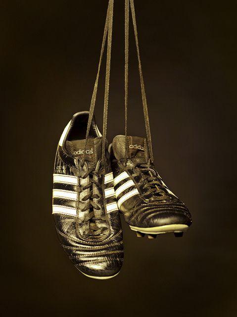 """Zapatos """"Copa Mundial""""...de qué año no se."""