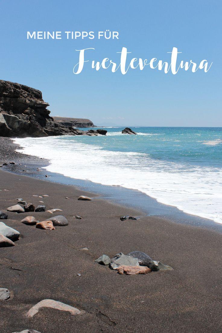 ►DeutschLetzte Woche habe ich dir schon ein paar Bilder und Outfits aus Fuerteventura gezeigt und heute möchte ich dir noch meine besten Tipps für die kanarische Insel geben, falls es dich auch einmal dorthin verschlägt. Sven und ich haben uns diesen Reiseführer* zugelegt, im Flugzeug durchgeblättert und dann geplant, welche der empfohlenen Orte wir besuchen …