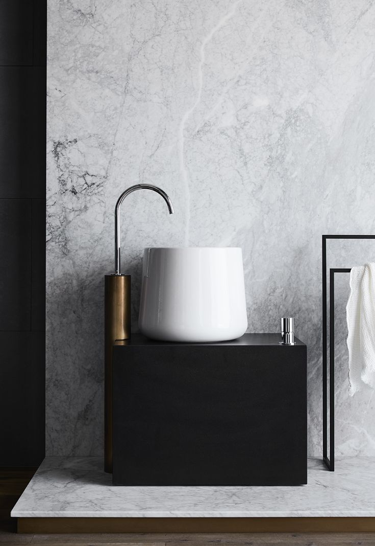 Designed by award-winning local interior design studio Flack Studio, the new Navi bathroom and kitchen showroom offers the beauty of European design coupled with a team back by over 70-years of plumbing experience.