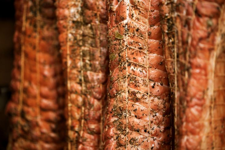 Smokehouse - Smoked meats - ham and bacon #smokedmeat #smokingmeat #meatcoma #smoker #smokehouse #rustic #rusticmeat #rusticfood #rustickitchen #rusticdinner #catering #cateringlife #cateringwedding #cateringservice #events #eventplanner #eventplanning #wedding #fooddiary #foodshare #foodinspo #foodphoto . How was your rustic day? Share it #BeLikeTomBeRustic