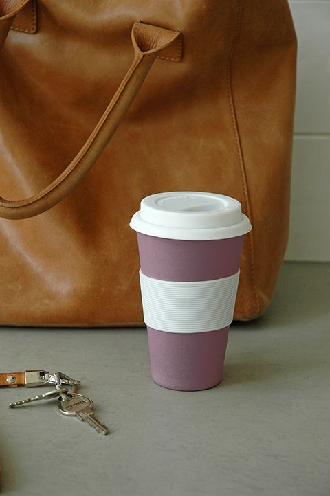 CRUISING TRAVEL MUG. Bio-based take a way mug with silicon lid. Available in 10 colours. Bamboo fiber