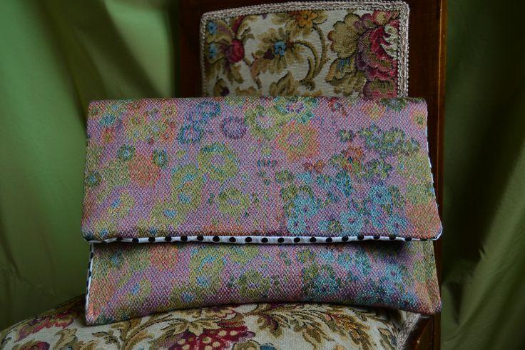 handmade handbag (outside: gobelin tapestry on the contrary, inside: white fabric with polka dots blacks)