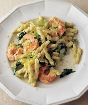 Shrimp, Leek, and Spinach Pasta recipe: While the pasta cooks, sauté the leeks and shrimp in butter. The spinach will wilt naturally when combined with the warm pasta.