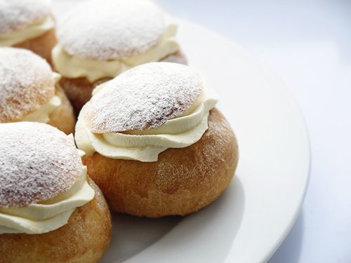 swedish cardamOn buns