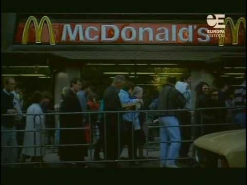 30,000 Russians queue for the first McDonald's in the Soviet Union, January 30th 1990.