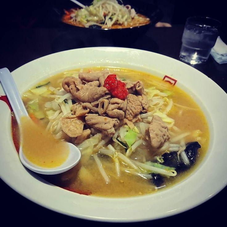 もつ煮野菜味噌ラーメンどーん(ω)