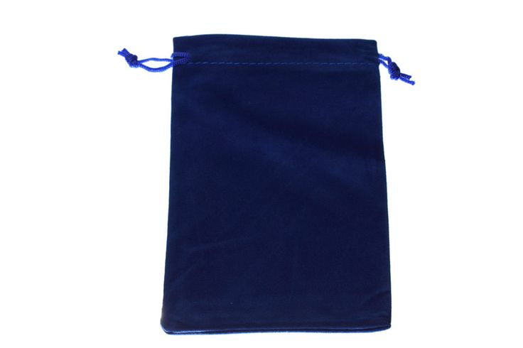 Large cobalt blue velvet bags. Dimensions approximately 10cm x 15cm. These velvet bags are the largest in our range. Suitable for all types of jewellery and small products. visit our site at www.blingin.com.au to place your order.