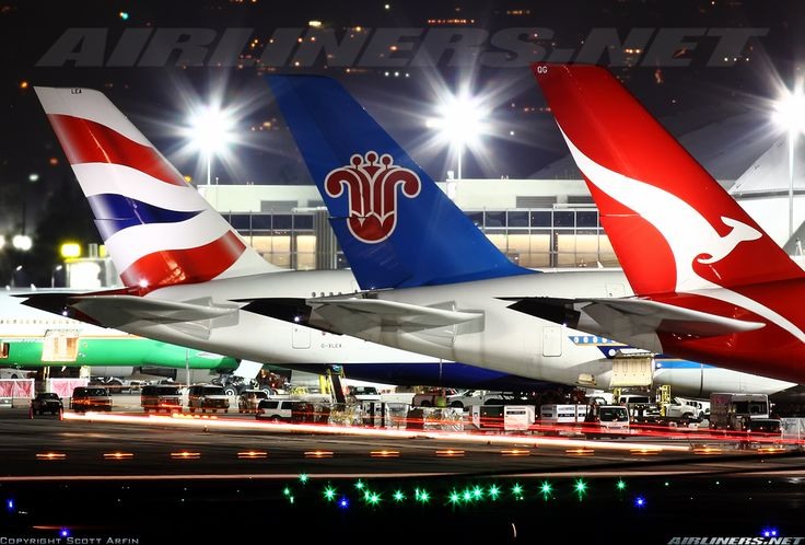 Nice A380 nigh time lineup at LAX.