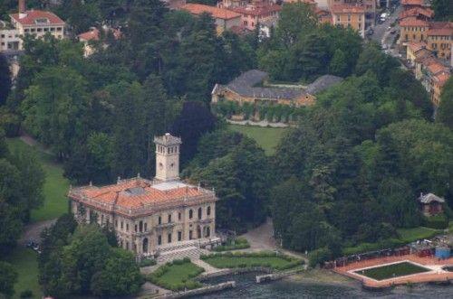 Villa Gastel Visconti in sfondo a Villa Erba | Cernobbio #lakecomoville