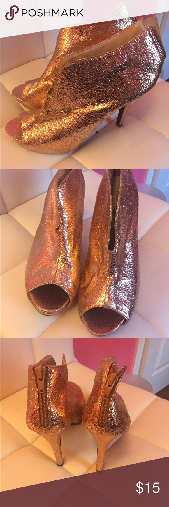 Rose gold metallic open toe booties can fit 8.5 Never worn perfect for New Years! This will be dropped at post office same day or nite of purchase. Shoes Ankle Boots & Booties