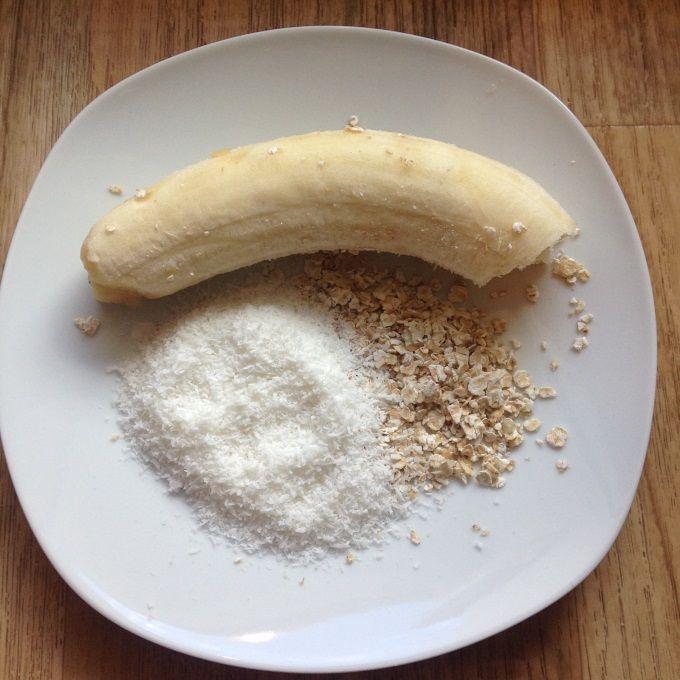 Ein bisschen Karibikflair schon für die Kleinsten 😉 Einige Kokosflocken untergemischt bieten die Möglichkeit eine neue Geschmacksrichtung kennenzulernen. Diese können natürlich auch weggelassen werden. Gerade für unterwegs und als Zwischensnack bieten sich selbstgemachte Babykekse an. Sie besitzen keinen künstlichen Zucker und schmecken trotzdem süß, sind außen kross und innen schön saftig. Bananen-Kokos-Kekse - Rezept …