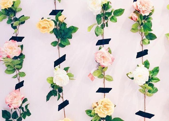 壁にお花をぺたぺた!海外のフラワーウォールが可愛すぎる