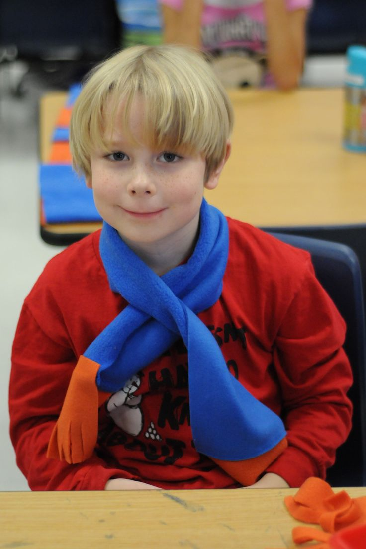 """Classroom Christmas Party Craft Idea... make polar fleece kids scarves in school colors - no sew! 5x30"""" plus 5x5"""", use fabric glue, have kids cut the fringe. 1 yard of 60"""" wide fabric makes 14 scarves."""