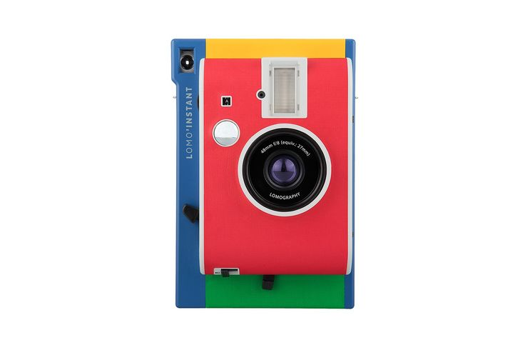 Inspired by colorful houses along Venetian canals, the Lomo'Instant Murano is sure to brighten up your instant photography adventures!
