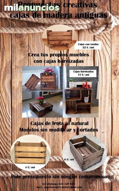 cajas de madera para fruta antiguas foto