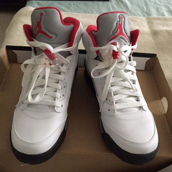 Youth Size 7 Jordan 5 Retro Worn once, excellent condition Jordan Shoes  Sneakers