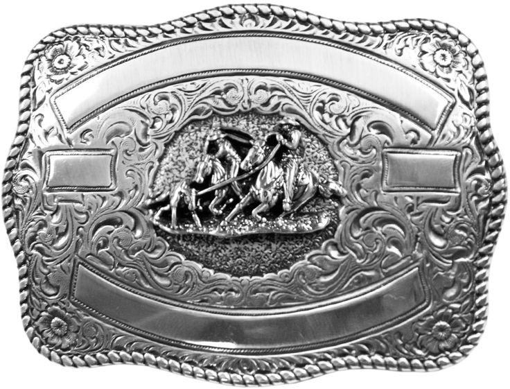 """Fivela Prata Alto Relevo Team Roping   Fivela em metal, na cor Prata, desenho em Relevo da modalidade Team Roping . Produto importado de alta qualidade e durabilidade. Muito indicado para os amantes do estilo country e pessoas de muito bom gosto. A Fivela é acessório indispensável na vestimenta do cowboy e cowgirl. Escolha a que mais combina com você e fique bem """"traiado""""."""