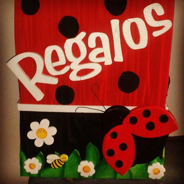 Caja de regalos #creacionesiraida #manualidades #pintadoamano #fiestaInfantil #chupeteros #cotillones #dispensadores #piñatas #cajaderegalos #mariquita #ladybug #coquito #Guarico #Venezuela