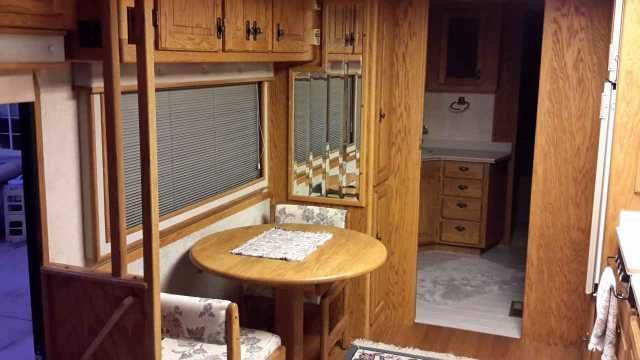 1990 Used Beaver Marquis 40 Class A in California CA.Recreational Vehicle, rv, 1990 Beaver Marquis 40 , 1990 Beaver Marquis 40 ft Regent. 4 shades Dark Jadestone metal and Bone White. 97500 MI on Gillig chassis. Always garaged. Tires have 6000 MI on them. Tire covers incl. 3208 Caterpillar 10.4 L turbocharged 300 hp. Allison 4 spd transmission, model MT647. All new batteries w/n 6 mons. 7.5 Onan Genet w/ 800 hrs. Heart inverter HF12-2000SV. Beautiful natural oiled oak handcrafted interior…