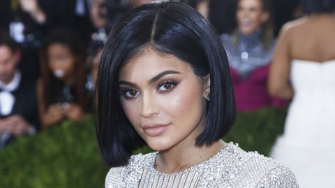 Here's What Kylie Jenner Looks Like with Her New Platinum Hair | StyleCaster