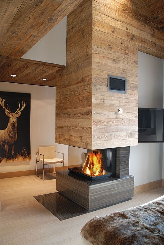 Love The Architecture And Fireplace Not Into Picture Or Rug
