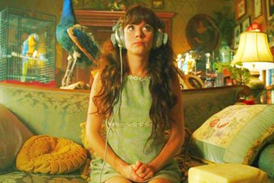 This was thee best show on television. Pushing Daisies.