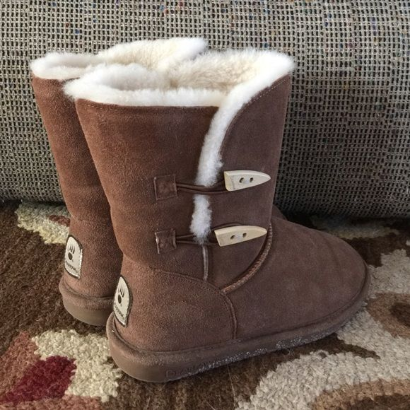 "Short Bearpaw Button Boots Chestnut Bearpaw Boots. These are the shorter style with the ""teeth"" looking buttons. Very cute! I have other bear paws in this color, therefore these never get worn. Bearpaw Shoes Winter & Rain Boots"