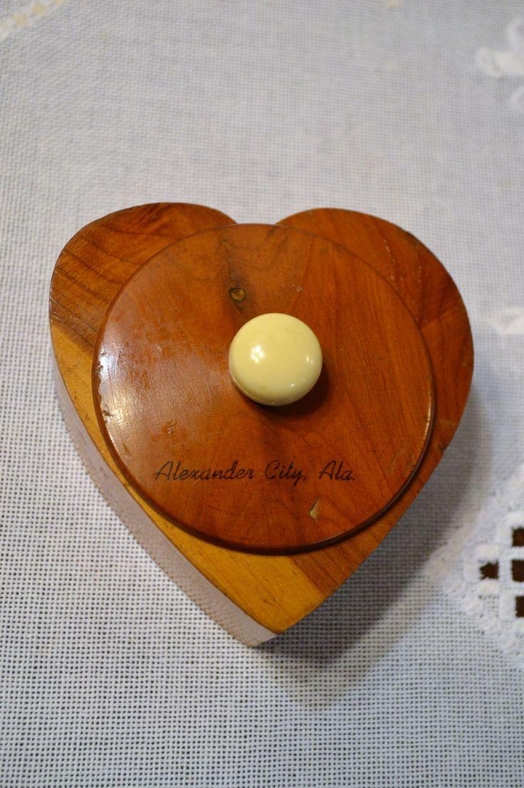 Vintage Cedar Box Alexander City Alabama Wooden Trinket Box Travel Souvenir Panchosporch