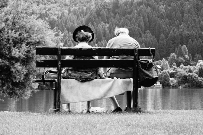 L'assenza dell'essere amato lascia dietro di sé un lento veleno che si chiama oblio. (Claude Aveline)
