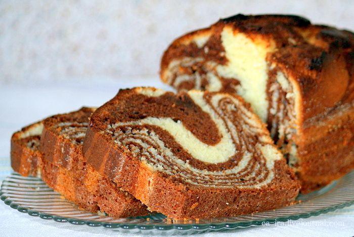 """Этот кекс, как и все кексы, крайне прост в приготовлении, за что и люблю. Идея """"мраморности"""" позаимствована из старого доброго рецепта всем известного торта…"""