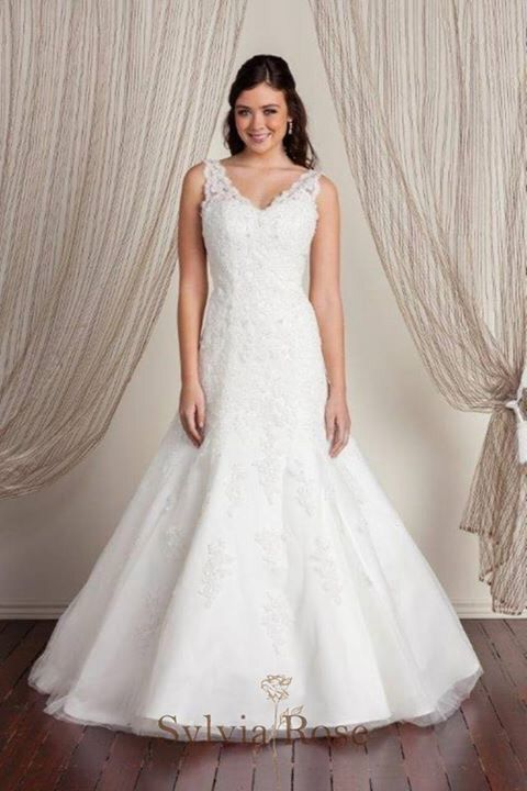 Sylvia Rose | Style Charlie | Top seller | Wedding gown | Bridal dress | Very-neck | Straps |