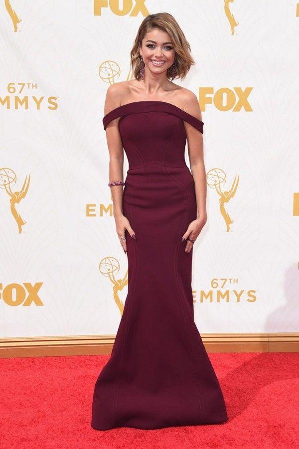 6f85e512a9 Sarah Hyland Burgundy Dress At 2015 Emmy Awards Red Carpet in 2019 ...