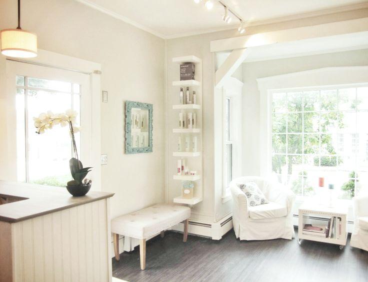 Bandeaux Millis, MA  Salon interior