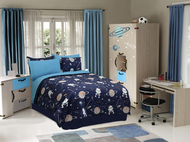 Creatures Of Space Glow In The Dark Boys Comforter Set