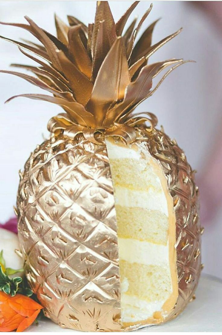 I want this cake for my next birthday! Please:) (hawaiian luau party food)