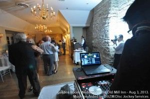 photo's from a past wedding, slow dances going on