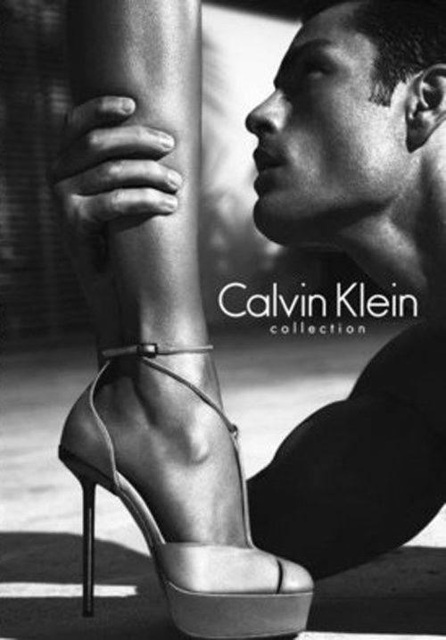 calvin klein shoes table dance en mexico