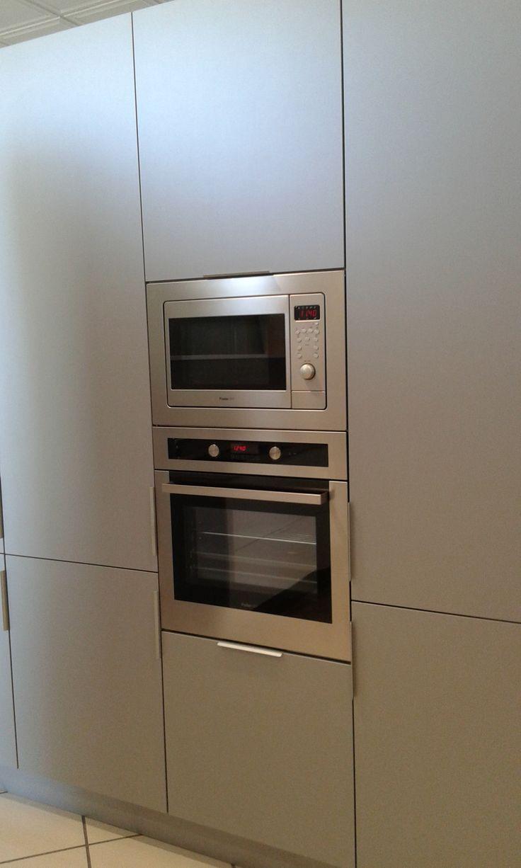 Detalle cocina Doca, columna hornos