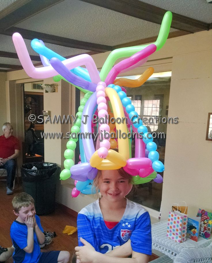 When you're the star of the show, you get the biggest balloon hat! Everyone was impressed with her sense of style.  #partyballoon #balloon #balloons #stlballoon #sammyj #balloonsculpture #bestballoons #balooontwisting #balloontwister #balloonartist #stlouisballoon #balloonart #instaballoon #balloondesign #sammyjballooncreations #sammyjballoons