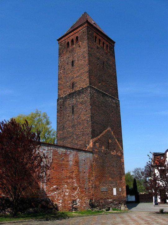 Byczyna - wieża bramna wschodnia tzw. Polska